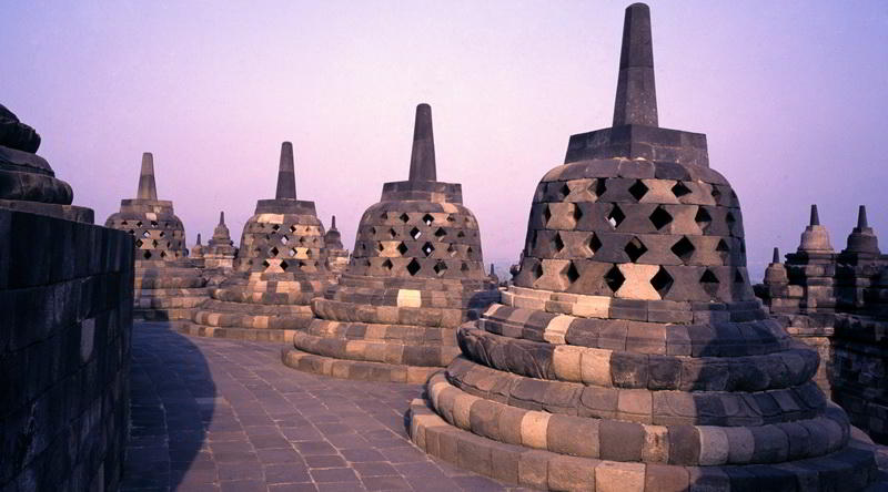 Chedis des Borobudur © Ministry of Culture and Tourism, Republic of Indonesia