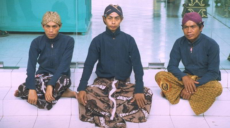 traditional javanese attire
