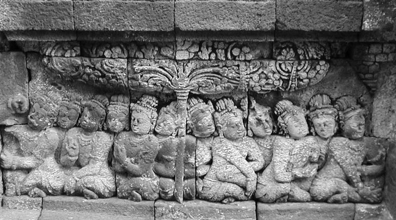 Relief am Prambanantempel © Oliver C. Thornton