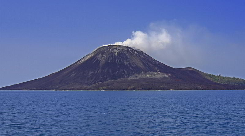 Krakatau in Westjava © Ministry of Culture and Tourism, Republic of Indonesia