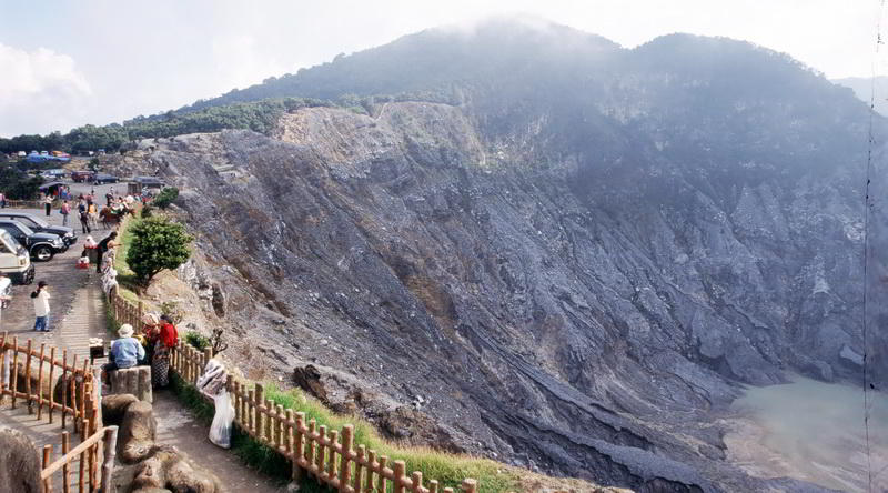 Vulkan Tangkuban Perahu, Java © Ministry of Culture and Tourism, Republic of Indonesia