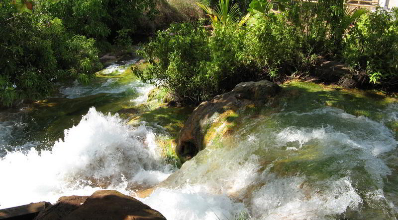 Hot Springs, Flores