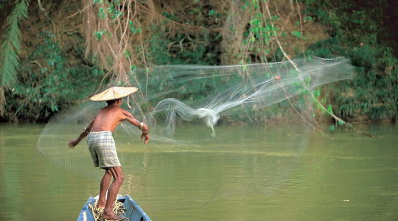 Fisher in Sarawak © Sarawak Tourism Board